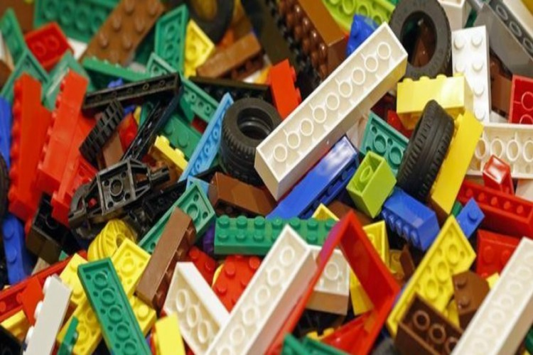 Lego is making plant-based plastic pieces